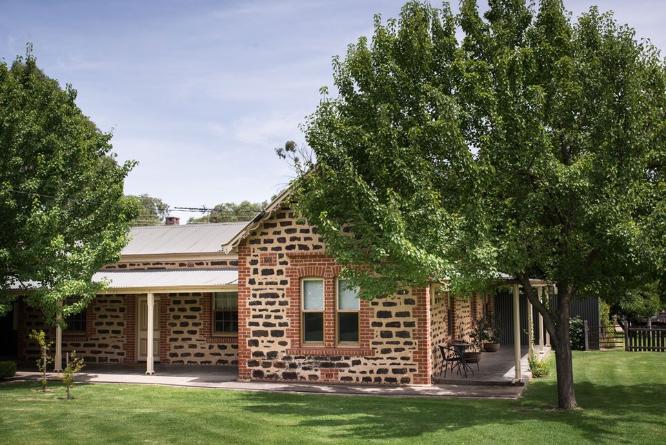 LANGMEIL WINERY Accommodation and Tour Experience for 3 Nights and 4 Guests, Barossa Valley, Barossa Valley NV